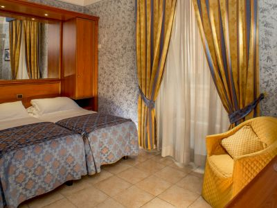 hotel assisi roma camera 4