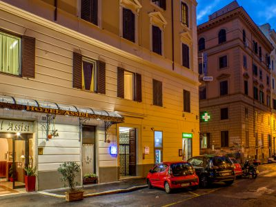 hotel assisi roma esterno 1
