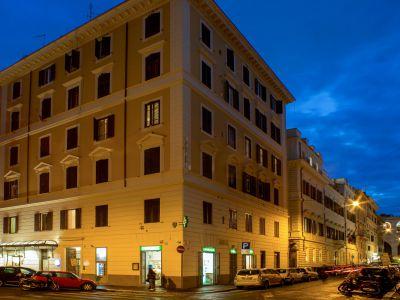 hotel assisi roma esterno 2