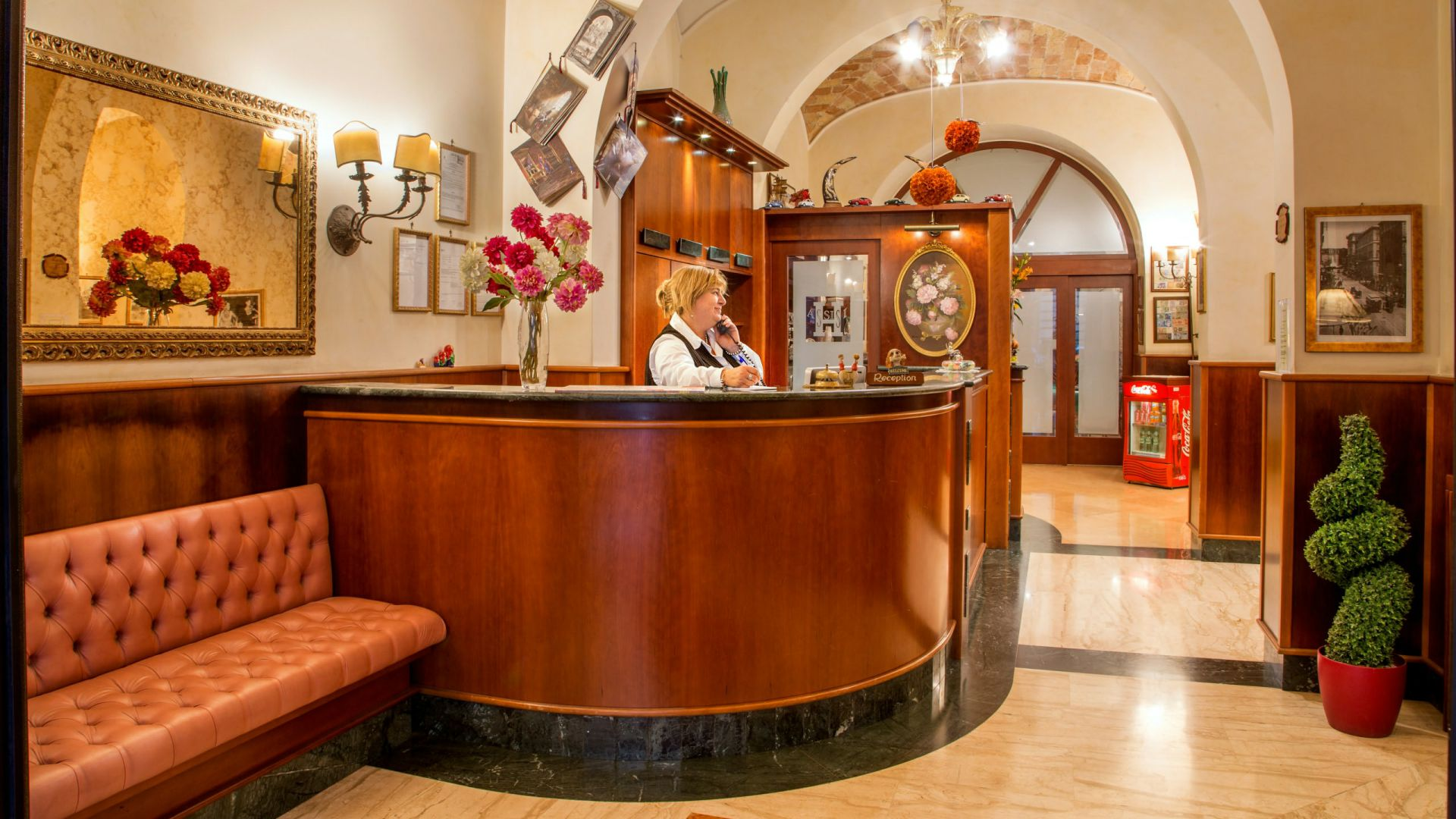 hotel assisi roma reception 1