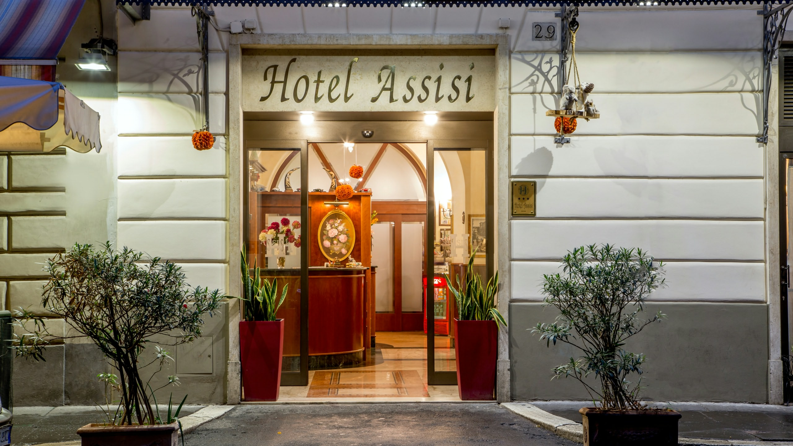 hotel assisi roma ingresso