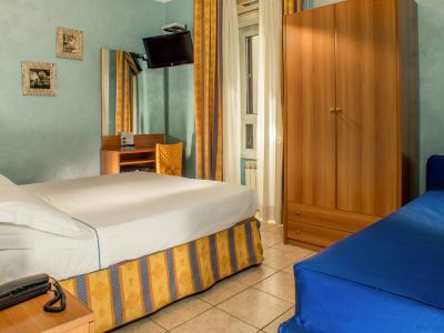 hotel assisi rome room 8