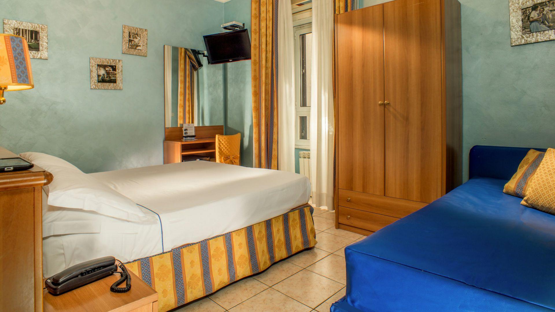 hotel assisi roma camera 8